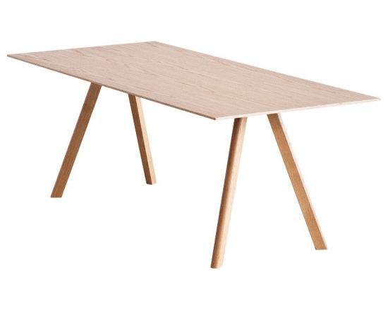 Copenhague CPH30 Table, Lacquered Oak -