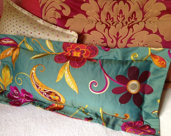 Old house - 1885 - Embroidered silk and damask colorful cushions
