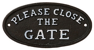 Gate Sign traditional-outdoor-decor