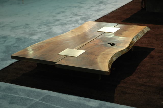 Coffee table with walnut slabs and stanless steel inserts - Tables basses contemporaines ...