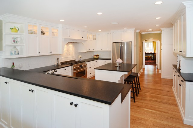 Traditional White and Black Kitchen traditional-kitchen
