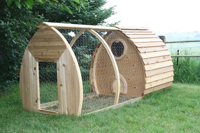Portable Chicken Coop contemporary-sheds