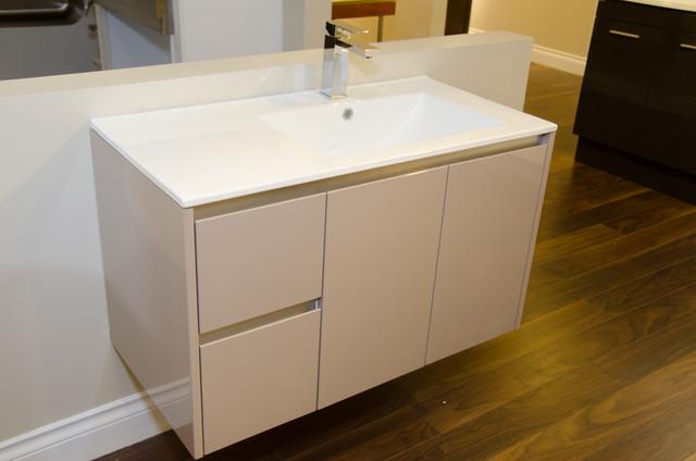 Showroom pictures contemporary-bathroom-vanities-and-sink-consoles