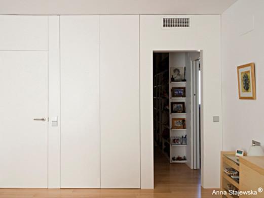 Armario empotrado y revestimiento de pared closet for Revestimiento de armarios empotrados