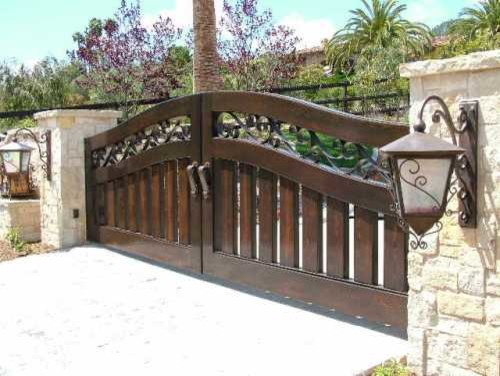 Double Entry Gate traditional-home-fencing-and-gates