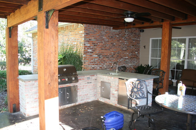 Patio Lean To http://www.houzz.com/photos/3108914/lean-to-roof-traditional-patio-other-metro