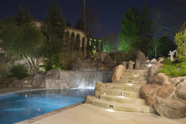 Lanscape Pool Lighting contemporary-pool