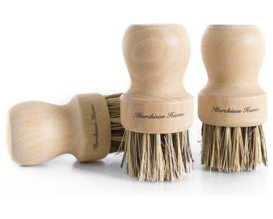 Murchison-Hume - Murchison-Hume Natural Plant Fiber Pot Brush - Set of 3 - Made from strong Mexican palm fibers, this little Pot-scrubber really goes the distance. Fits snugly into the palm of the hand and scours out the toughest burnt-on bits.