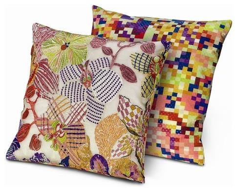 """Medale Cushion - 16"""" x 16"""" modern-decorative-pillows"""