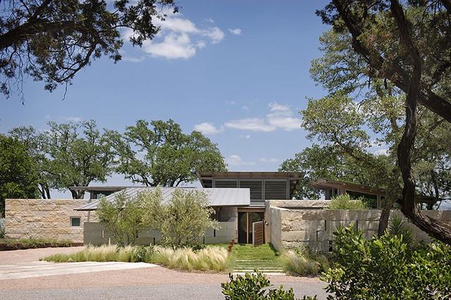 Hillside house lake flato architects