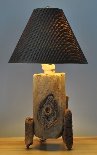 Driftwood table lamp / Lampe de bois flotté ou bois de mer table-lamps