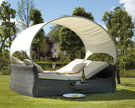 Garden bed wicker -