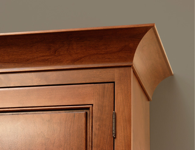 Cove Crown Molding | CliqStudios.com traditional kitchen cabinets