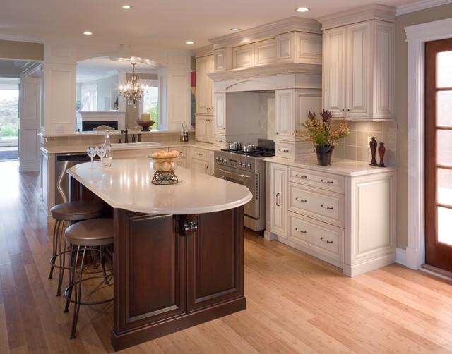 Traditional kitchen or country kitchen traditional for Traditional kitchen dresser