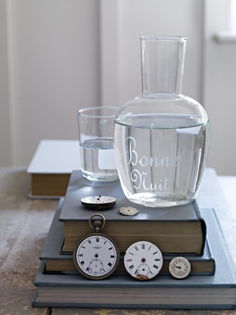 Bonne Nuit Set contemporary serveware
