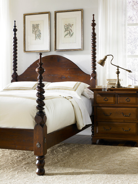 Barley Twist Four Poster Bed With Shortened Footboard Posts