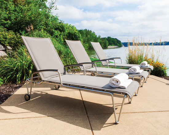 Lloyd Flanders Poolside Chaises - Lloyd Flanders Poolside Chaises, perfect for the deck or patio.