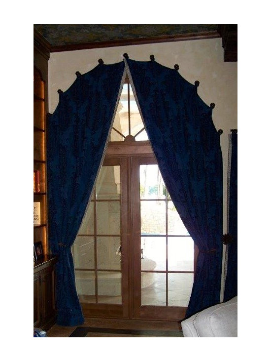 Drapery Ideas - Arched panels on medallions.
