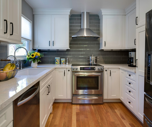 Kitchen Remodels Ideas With White Cabinets: Cambria Torquay White Cabinets Backsplash Ideas