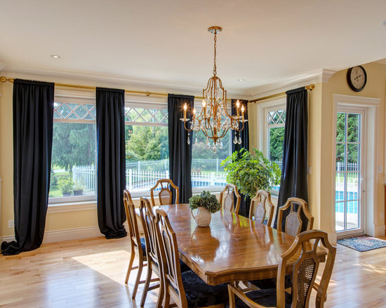 Dining Rooms | Brighten Your Meal - Private Residence in Abbotsford, BC | Innotech Windows Canada, Inc.