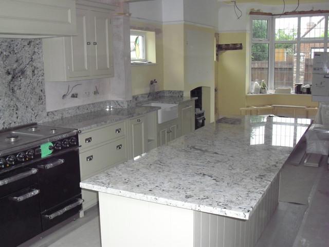 Arctic Cream Granite Island worktop traditional kitchen countertops