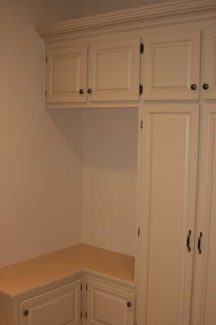 custom mud room lockers and seating contemporary