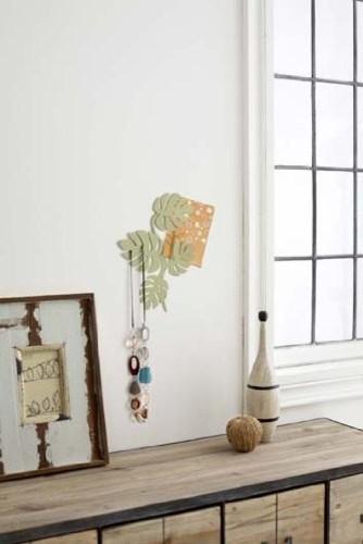 Green Metal Leaf Wall Hanger for Accessories, Modern Home Decor modern-home-decor