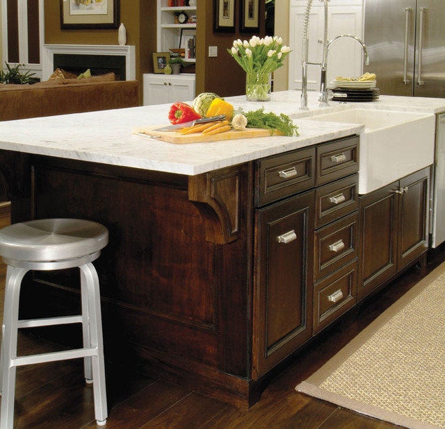 Island Kitchen Sink : Traditional Kitchen Island with Farmhouse Sink - Traditional - Kitchen ...