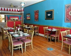 decor help for small italian restaurant houzz small restaurant design ideas - Small Restaurant Design Ideas