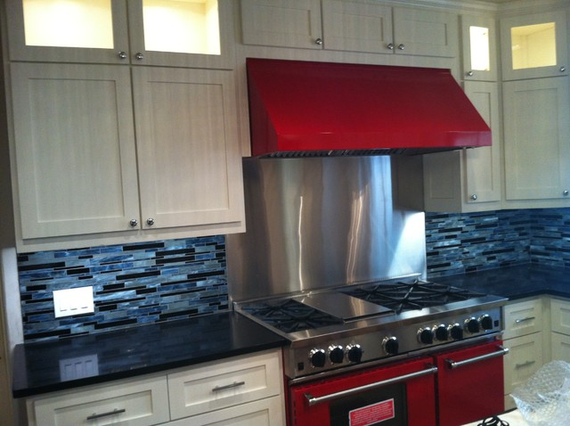 "A 48"" BlueStar Range and Hood featured in an Alamo Heights Kitchen traditional-kitchen"
