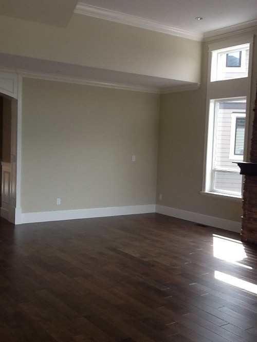 Odd shape living room furniture layout help needed for Odd living room layout