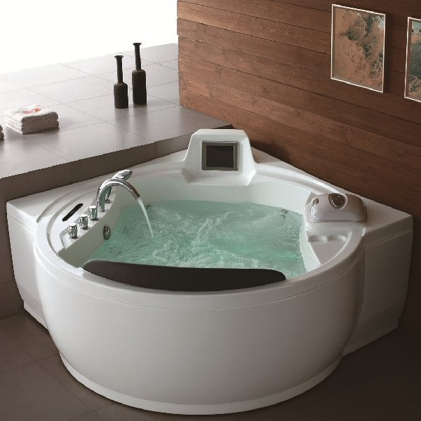 Aquapeutics Freeport Whirlpool Tub Modern Bathtubs By