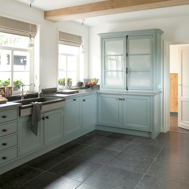 Belgian bluestone flooring dn opkamer wall and floor for Bluestone flooring