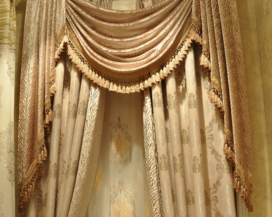 Customized Curtains in White Color - Ulinkly is for affordable custom-made luxurious window curtains. We partner exclusively with top premium factories(top 1-2 sellers in international market) selling high-end custom-made curtains with top quality and hundreds high-end styles (Drapery, Voile and Valance) selection in North America.