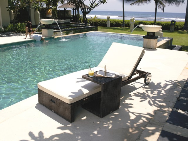 Miha Chaise Lounge Chair With Wheels From Skyline Design Modern Outdoor C