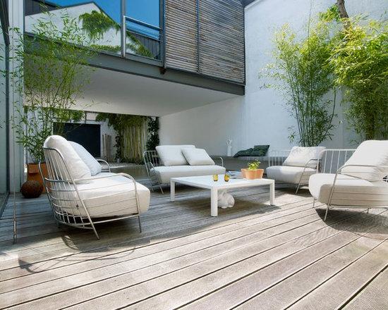 Passio - Ligne Roset - Passio in/outdoor chair & sofa, Seram low table.