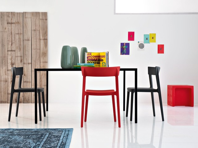 Dining area with Calligaris Skin Design Chair modern-dining-room