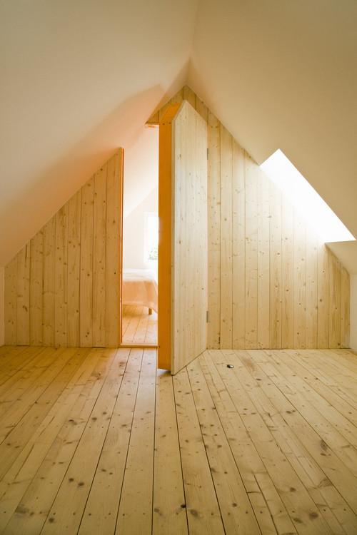 10 secret rooms and hidden passageways to store your for Houses with secret rooms and passageways