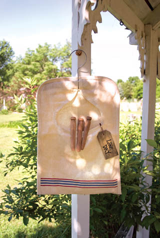 Vintage Style Clothes Pin Bag traditional-wall-hooks