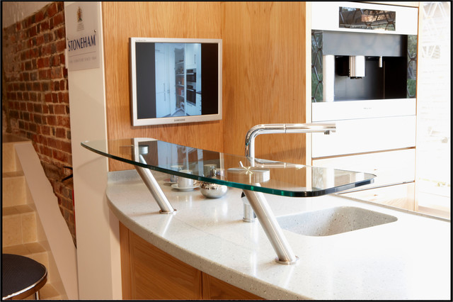 splasbacks and balustrade modern kitchen countertops