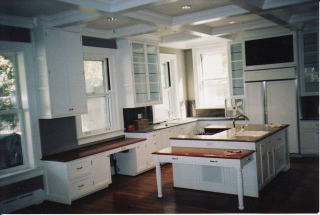 Kitchen - Traditional - Kitchen - st louis - by The Cabinet Shop
