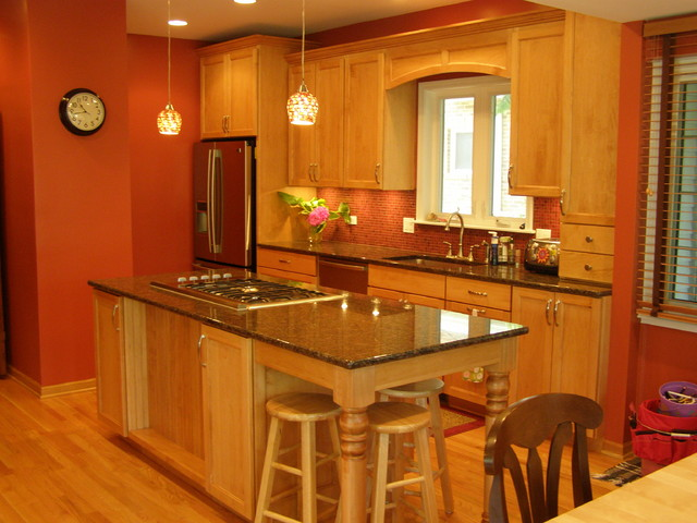 Amish Custom Kitchens - Traditional traditional-kitchen