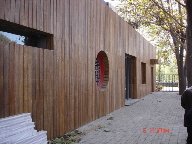 Villa wood wall cladding traditional-hardwood-flooring