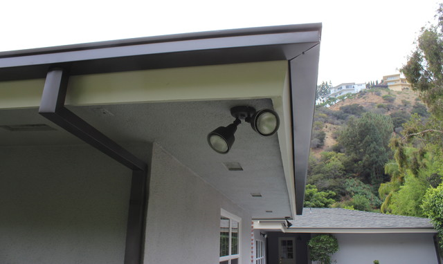 Modern box style rain gutters with 2x3 downspouts in west hollywood contemporary los angeles