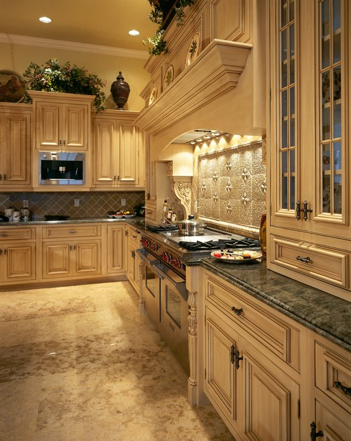 Bay Colony Golf Estates - Mediterranean - Kitchen Cabinetry - miami - by Tradewind Designs, Inc.