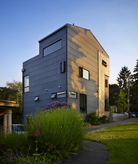 Lobster Boat Residence contemporary-exterior