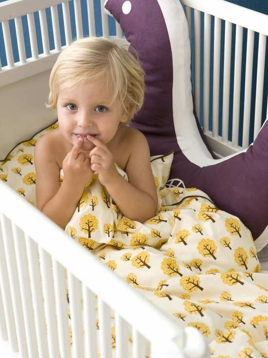 Ferm Living Dotty Crib Bedding - Sweet dreams with Ferm Living's Dotty bedding. The 2 piece Dotty Set is made of 100% organic cotton for extra comfort and comes with a matching bag- perfect for storing toys and dolls.