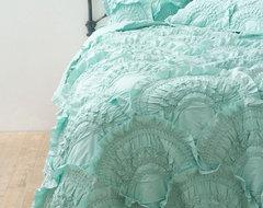 Rivulets Quilt, Mint contemporary-quilts