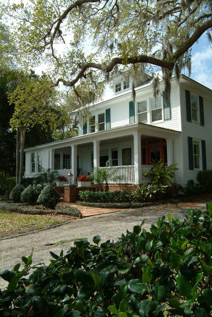 Old Florida River House eclectic-exterior