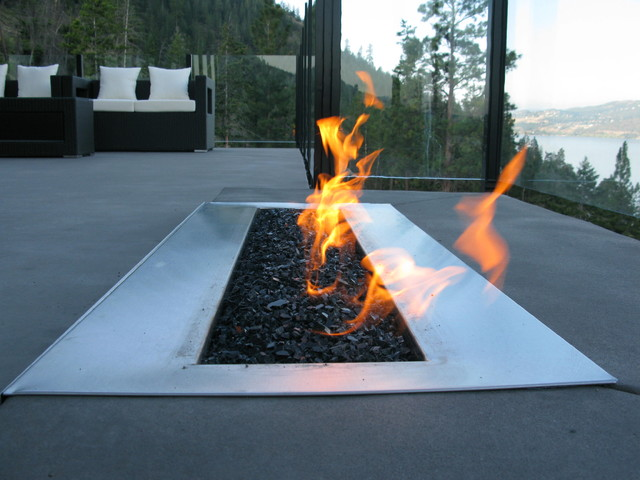 Custom 36 Linear Outdoor Burner Modern Fire Pits Other Metro By Okanagan Fireplace Den Ltd